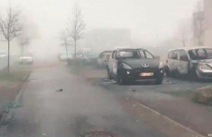 Hollanda'nın Arnhem şehrinde kundakçı her gece çalışıyor