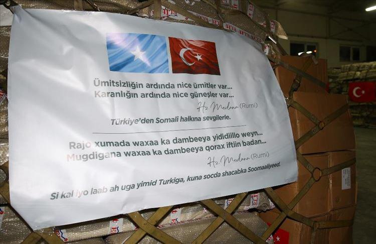Türkiye'den Somali'ye tıbbi yardım malzemelerini taşıyan, TSK'ya ait uçak Ankara'dan havalandı