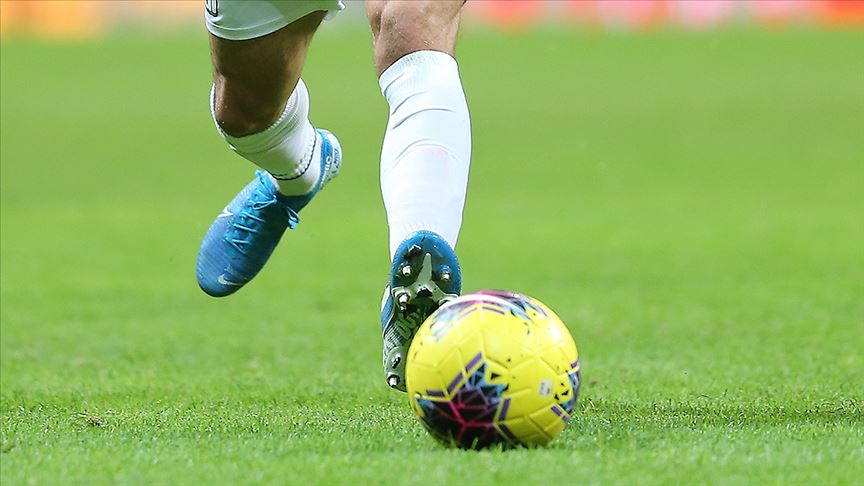 Futbolculara yapılan koronavirüs testlerinde 10 furbolcu pozitif çıktı