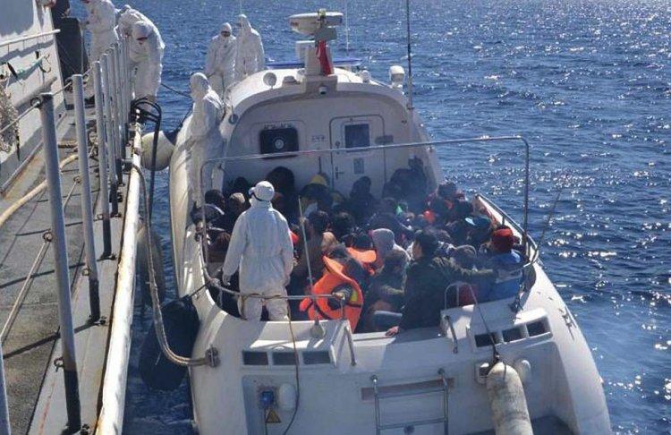 Yunan sığınmacıları denize döktü Türkiye kurtardı