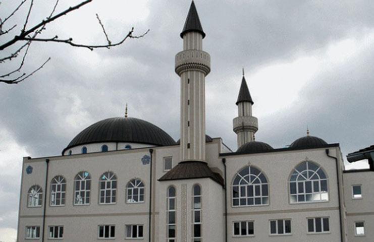 Avusturya'da ibadethane ve restoranlar kapılarını açtı