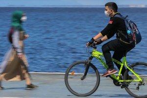 Sosyal mesafe için bisiklet kullanılması önerisi