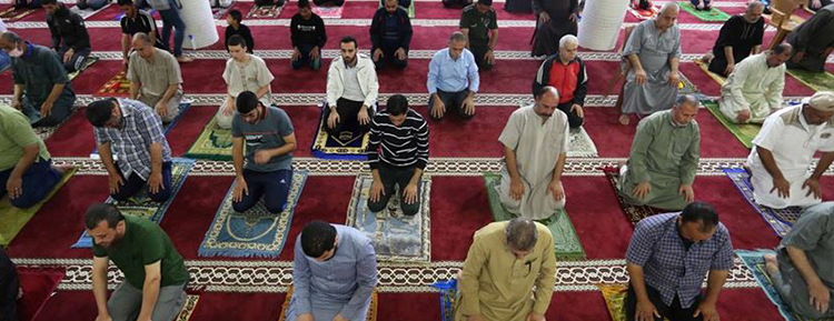 Gazze Şeridi'nde camiler ibadete açıldı