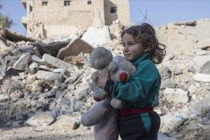 Dünya genelinde her altı çocuktan biri çatışma bölgesinde yaşıyor