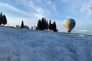 'Beyaz Cennet'in' balonları uçmak için gün sayıyor
