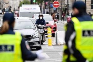 Avrupa ülkelerinden Fransa'ya gelenlerin 14 gün karantina kalktı
