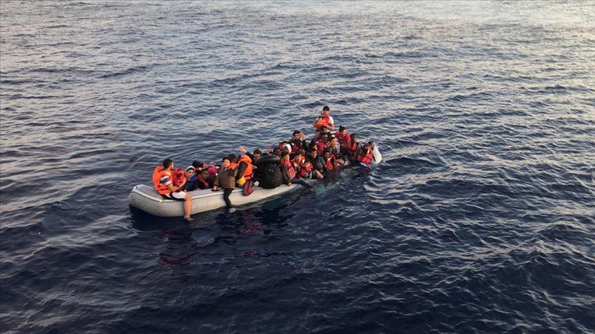 Yunanistan 93 sığınmacı geri itti