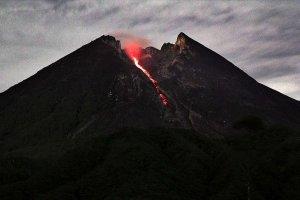 Merapi Yanardağı'nda patlama meydana geldi