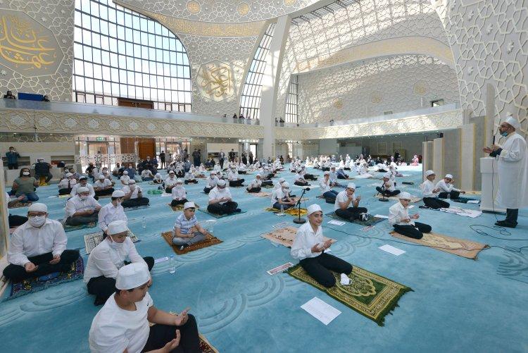 DİTİB'de 100 öğrenci Kur'an'a geçmenin sevincini yaşadı
