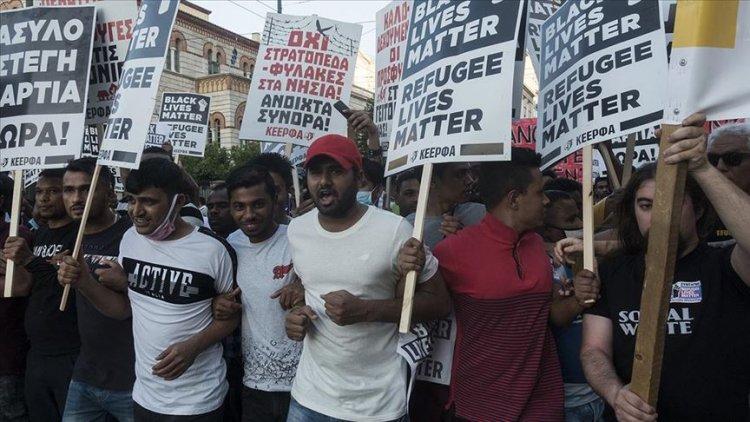 Yunanistan'da mülteciler protesto gösterisi düzenledi