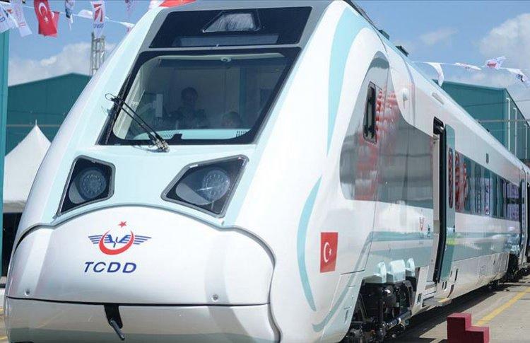Milli elektrikli trenin testleri  Sakarya'da başladı