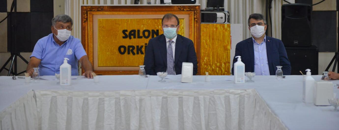TBMM İnsan Haklarını İnceleme Komisyon Başkanı Çavuşoğlu Otosansit esnafı ile kahvaltıda buluştu