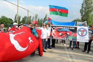 Türkiye-Ermenistan sınırında Azerbaycan'a yönelik saldırılar protesto edildi