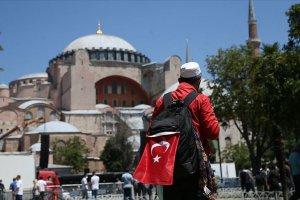 Ayasofya Camii'nde namaz kılmak için Türkiye'nin dört bir tarafından akın ettiler
