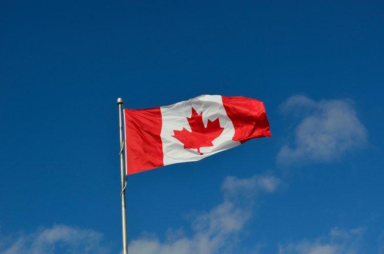 Kanada peçe takan kadınlara maske muafiyeti getirdi