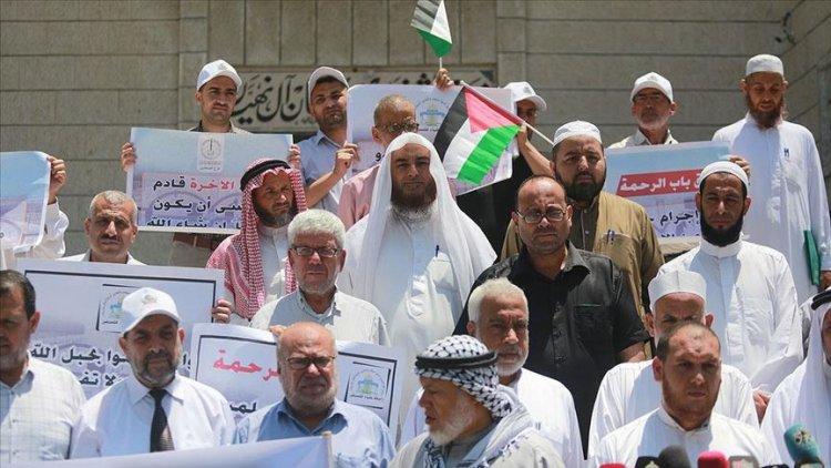 Gazze'deki alimler İsrail'in Rahmet Kapısı Mescidi'ni kapatma kararını protesto etti