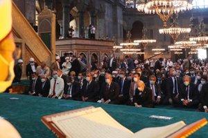 86 yıl sonra Ayasofya-i Kebir Cami-i Şerifi'nde kılınan cuma namazıyla ibadete açıldı