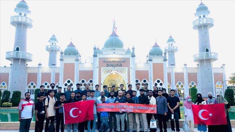 Ayasofya-i Kebir Camii'ndeki cuma namazı Tayland'da kutlama yapıldı