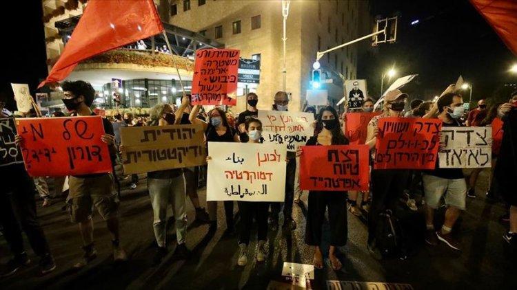 İsrail'de Başbakan Netanyahu'yu binlerce kişi protesto etti