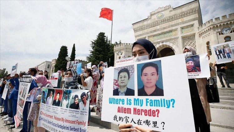 İstanbul'da yaşayan Uygur Türkleri Çin'i protesto etti