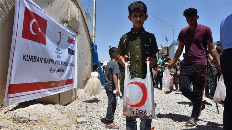 Türk Kızılay'dan Kerkük'te 550 göçmen aileye kurban eti