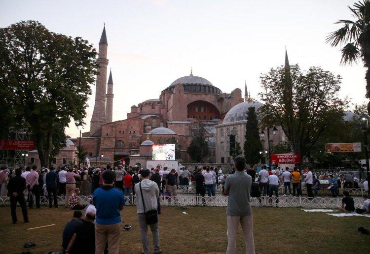 Ayasofya-i Kebir Cami-i Şerifi'ne Kurban Bayramı'nın son gününde de ilgi sürüyor