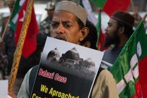 Hindistan'da Babri Camii yerine inşa edilecek hindu tapınağına tepkiler büyüyor
