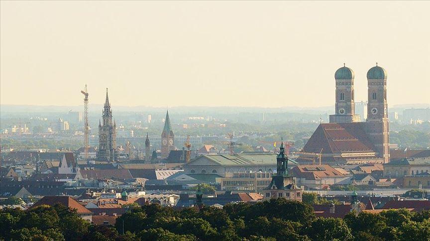 Münih'te artan Kovid-19 vakalarına karşı alkol yasağı getirildi