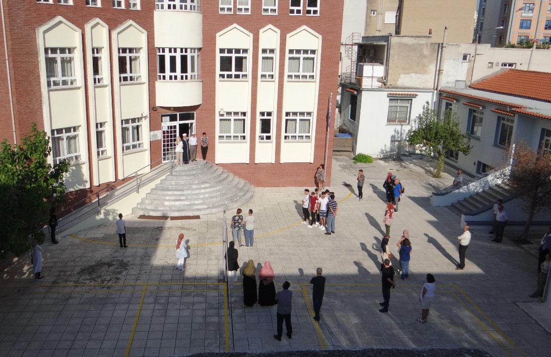 Yunanistan keyfi kararlarla yıllardır azınlık okullarında baskı yaratıyor