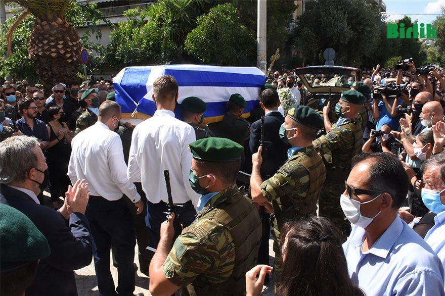 Atina'da cenaze törenlerine yüzlerce katılım Batı Trakya'da 50 kişi