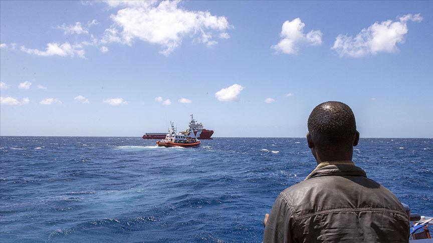 Girit Adası açıklarında göçmenleri taşıyan tekne battı
