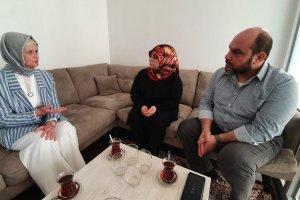 AK Parti Almanya Temsilcisi Göka'dan ırkçı saldırıya uğrayan Türk bayana ziyaret