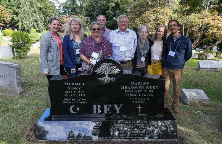 ABD'de Osmanlı diplomatı ve eşi için anıt mezar