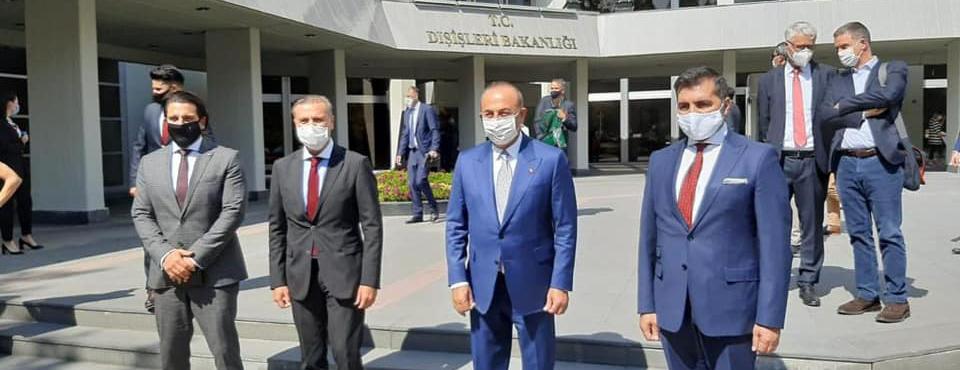 Bakan Çavuşoğlu Alman basın mensuplarıyla bir araya geldi