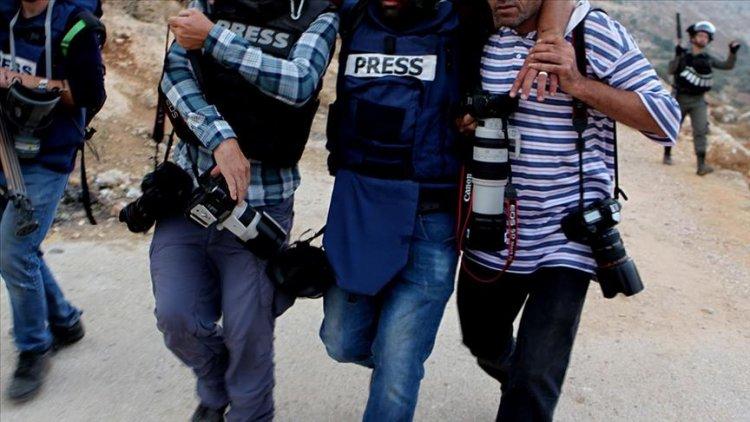 İsrail güçleri Batı Şeria'da AA muhabirini yaraladı