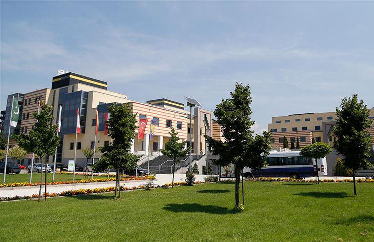 Saraybosna Üniversitesi 12'nci dönem mezunlarını verdi