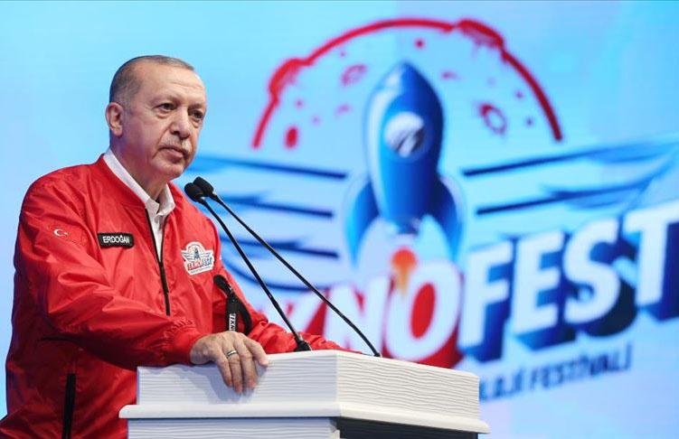 Cumhurbaşkanı Erdoğan: İHA alanındaki başarıyı otomobil ve uçan arabalarda yakalayacağız