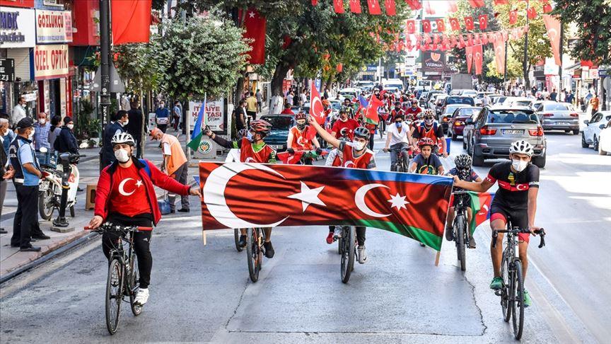 Malatya'da kardeşlerimiz Azerbaycan için pedal çevirdi