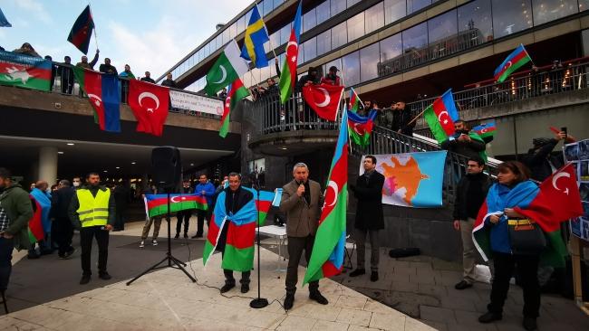 İsveç'te, Ermenistan'ın Azerbaycan saldırılarına protesto