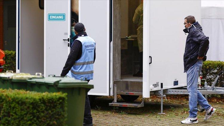 Berlin'de Kovid-19 test laboratuvarları yetersiz
