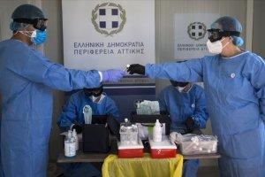 Yunanistan genelinde günlük Kovid-19 vakaları yükseliyor