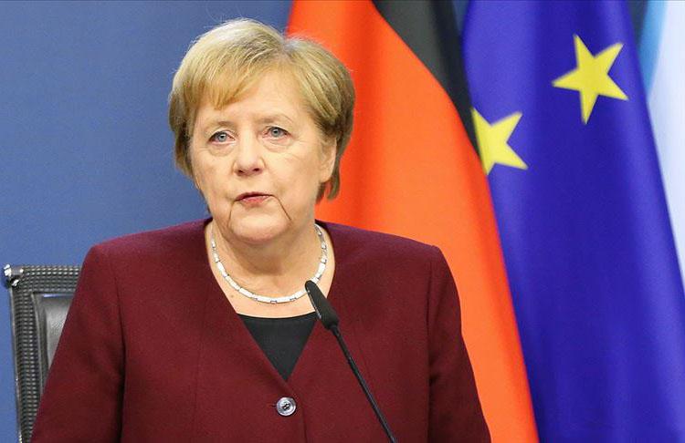 Başbakan Merkel: DEAŞ tehdit olmaya devam ediyor