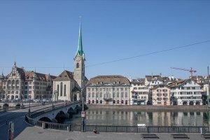 İsviçre'de Kovid-19 vakalar hızla artıyor
