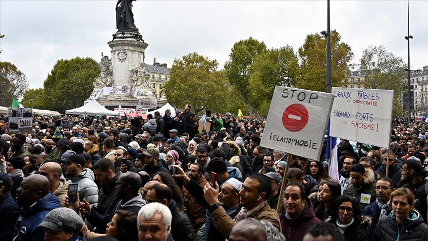 İslam dünyası, Hazreti Muhammed'e hakareti destekleyen Fransa'yı kınadı