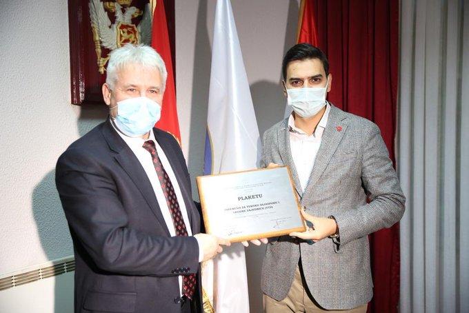YTB, Karadağ'da Rojaye Belediye ödülüne layık görüldü