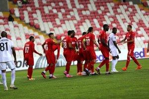 Sivasspor UEFA Avrupa Ligi'nde Karabağ'ı 2-0 yendi