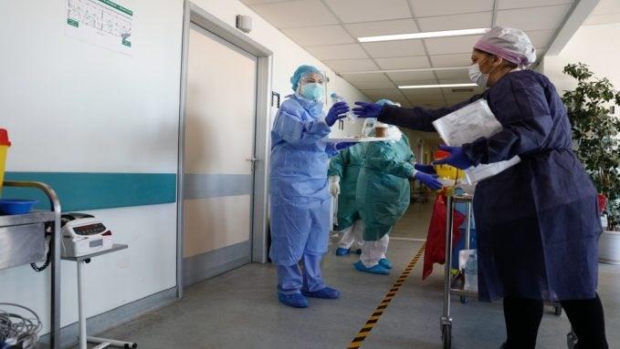 Yunanistan'da Koronavirüs kontrolden çıktı