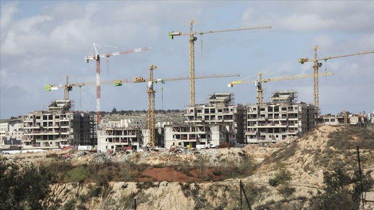 Yahudi yerleşimciler Batı Şeria'da işgal ve baskınlarla yeni yerleşim alanları oluşturmaya çalışıyor