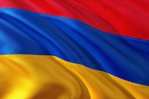 Ermenistan'da hükümet çatırdamaya başladı: üç bakan görevden alındı