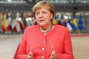 G-20'de Merkel: Salgın gibi küresel zorluklar ancak küresel çabayla aşılabilir